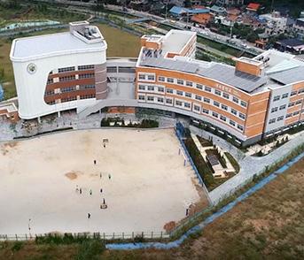 내곡중학교-전경